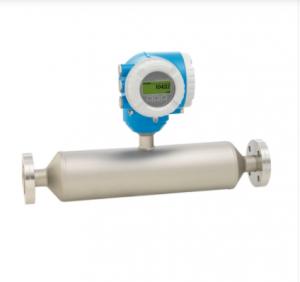 Débitmètre massique coriolis à monotube droit I 300 pour la mesure de viscosité et du débit avec un transmetteur compact facilement accessible et pour la mesure de la viscosité, température et débit